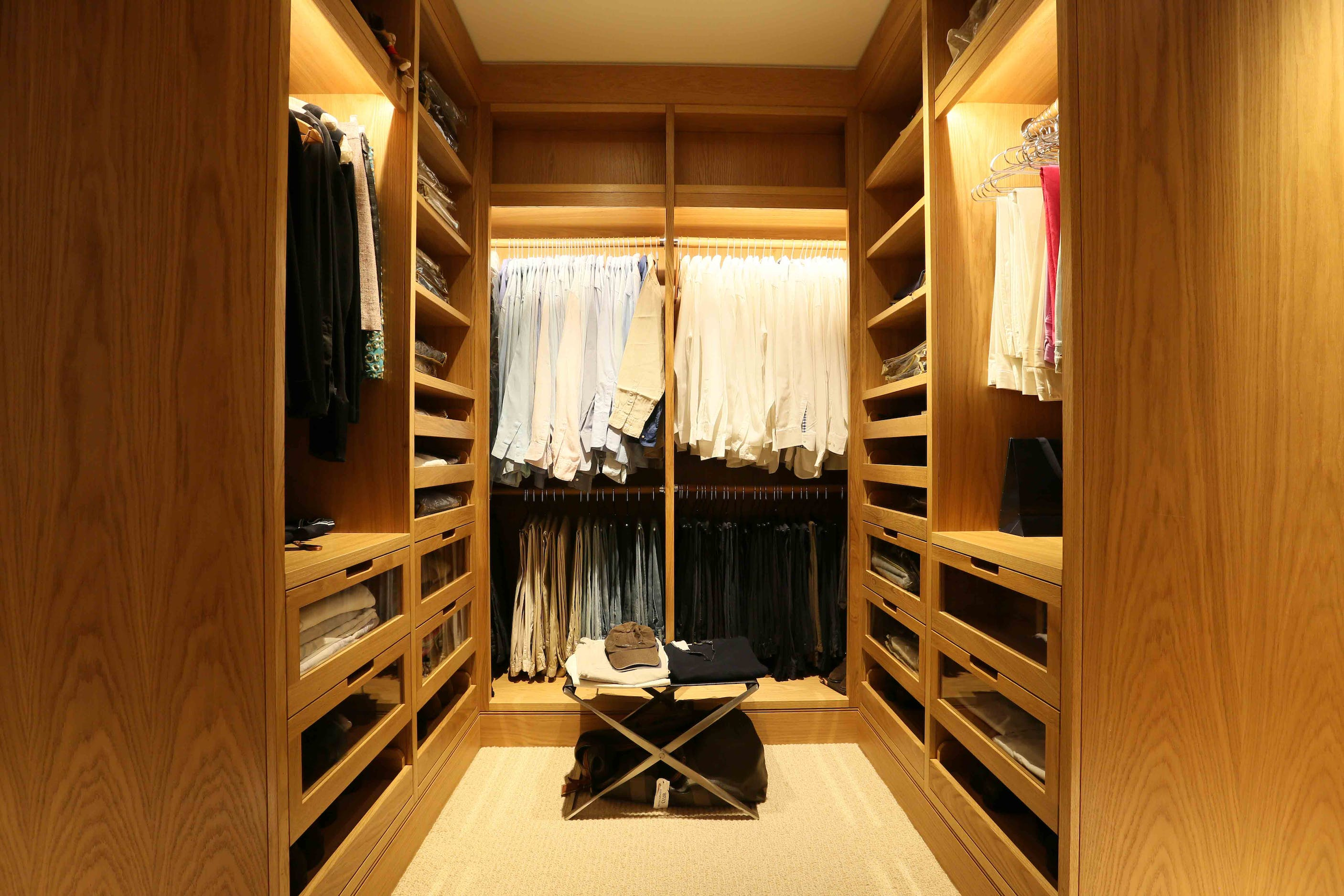 Walk in wardrobe lighting