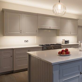 undercupboard lighting with no glare in kitchen