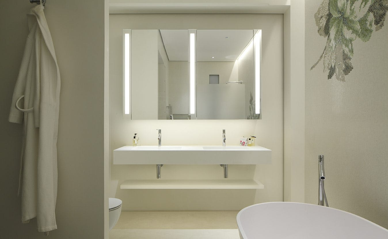 vanity unit lighting