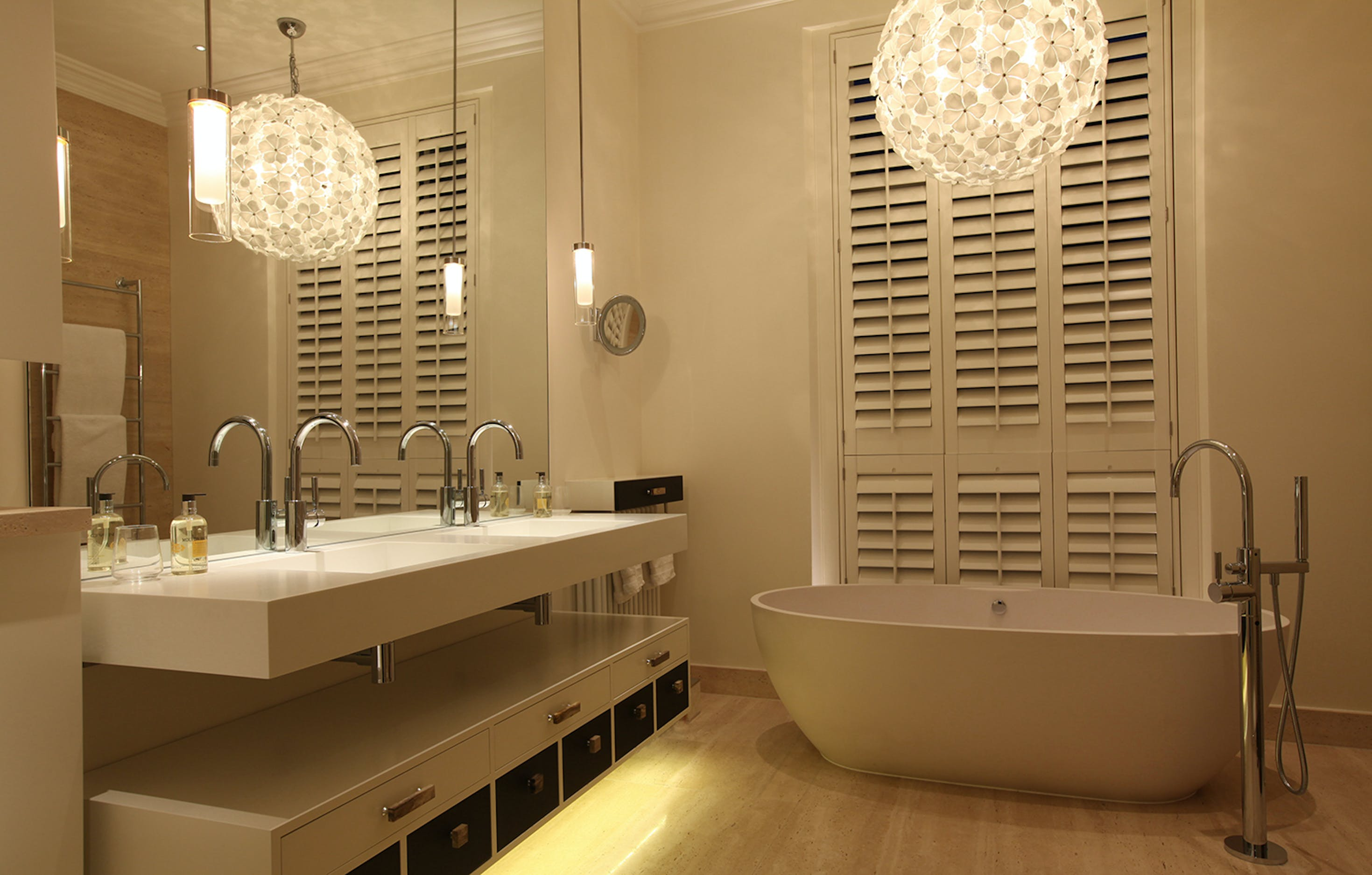 contemporary bathroom lighting with decorative pendant