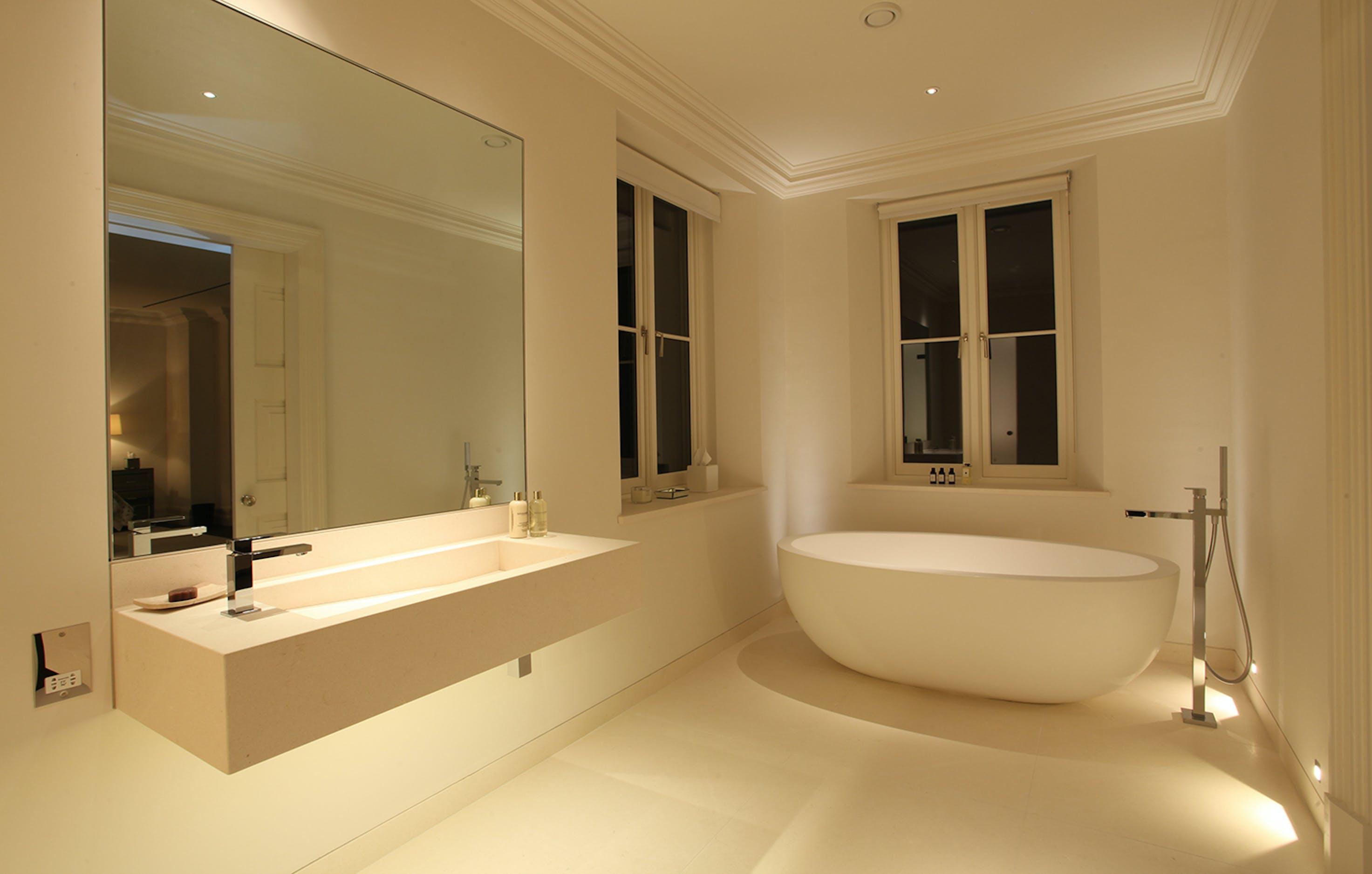 Monotone bathroom lighting