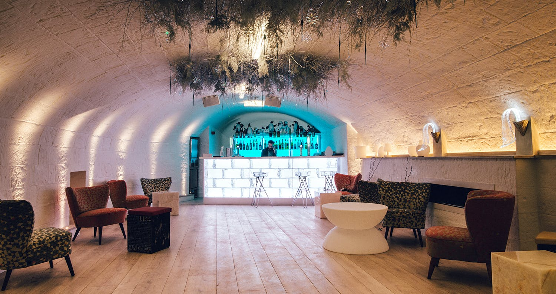 igloo bar lighting