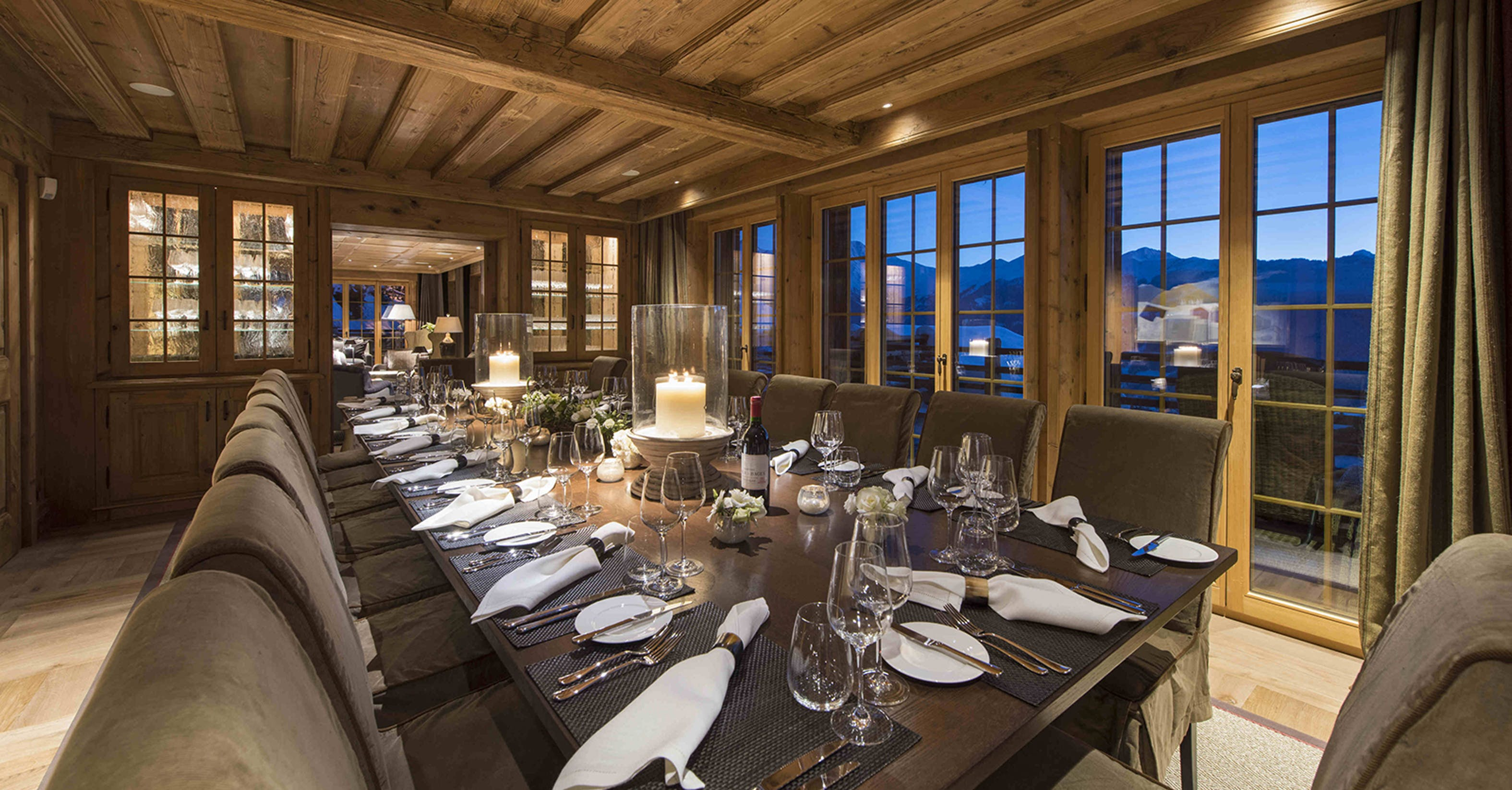 Traditional chalet dining room